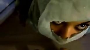Araba porca sborrata sul viso